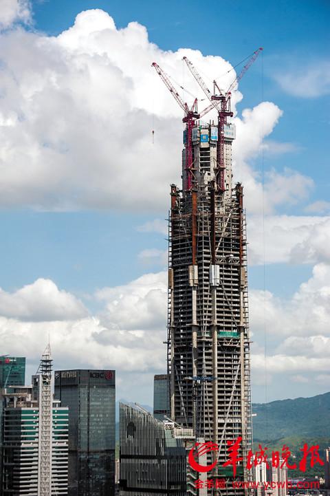 在建的平安金融大厦已超越京基100,成为深圳