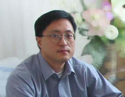 他执掌的南京前沿生物自主研发的长效治疗艾滋病原创新药――艾博卫泰