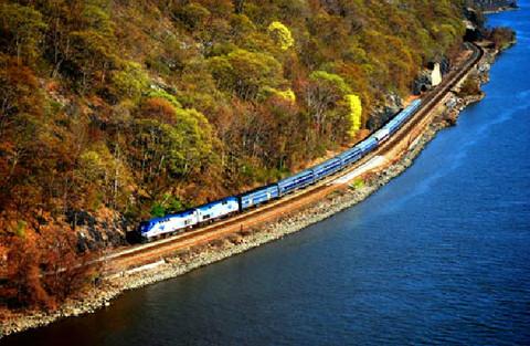 世界上风景最美的十条铁路线