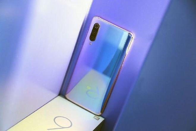 比亚迪小米阶段9尚在试产代工,已被白色中止某项苹果手机业务6.9寸小米的图片