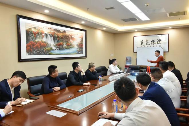 嘉瀛汇总部与湖南分公司邀请熵一资本王俊做销售技巧培训